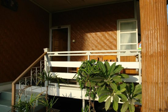 Zegyo Hotel Mandalay: view of our bungalow on the roof terrace