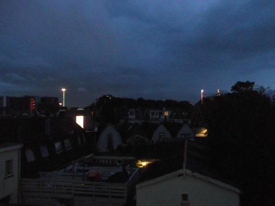 Hotel Stad en Land: room view at night