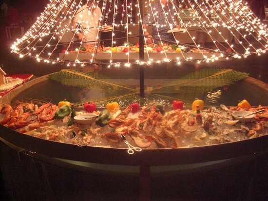 Coco Palm Dhuni Kolhu: Christmas Eve fish buffet, lobster, crab, prawns - amazinf