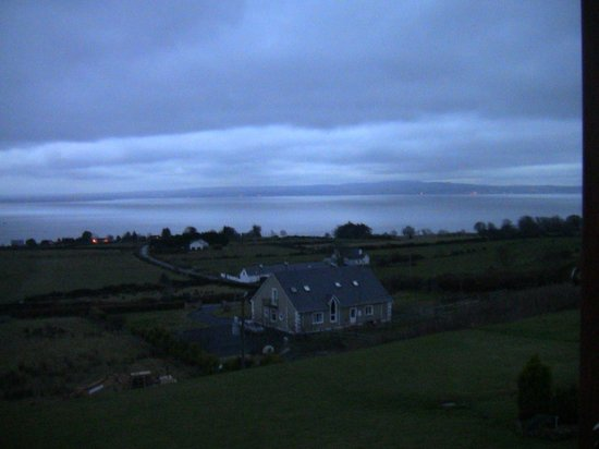 Inishowen Lodge: Early morning view from the middle bedroom