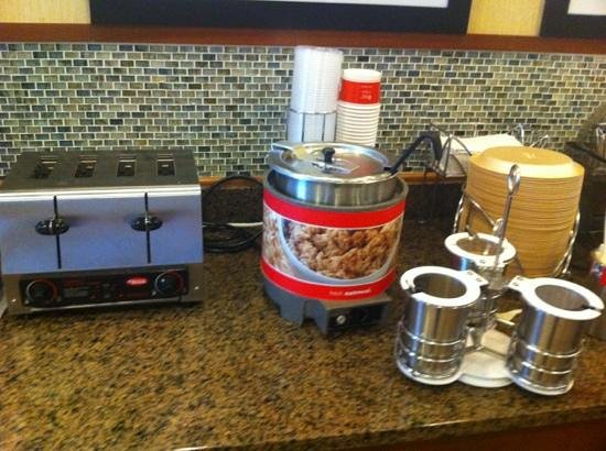 Hampton Inn Chicago/Gurnee: hot oatmeal