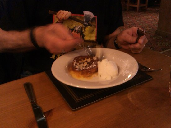 Bear Inn: orange & almond tart