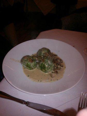 Laubenkeller: canederli agli spinaci