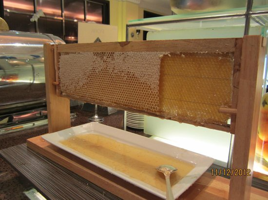 The Sukosol Hotel: fresh honeycomb at breakfast