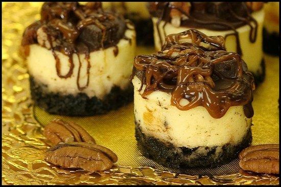 Alotta Brownies: Turtle Cheesecakes