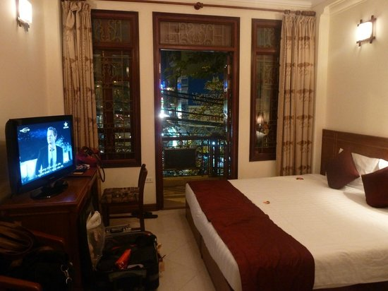 Gia Thinh Hotel: Room view from the room entrance corridor