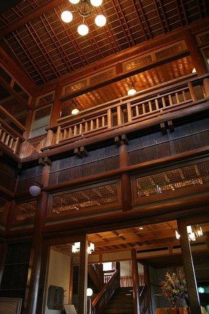 Towada Hotel : 創建当時そのままの吹き抜け