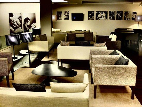 Moov Hotel Porto Centro: Comedor