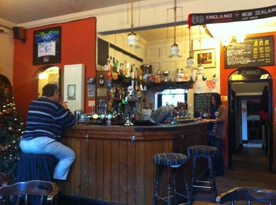 The Pulteney Arms: a lunchtime pint