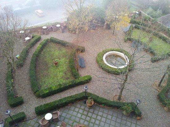 Palazzo Ravizza: veduta sul giardino dell'hotel