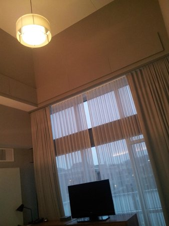 aloft Birmingham Soho Square: High Ceilings on 5th Floor