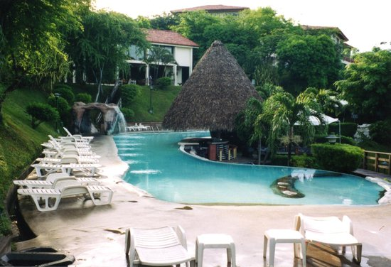 Villas Sol Hotel & Beach Resort: Second hotel pool (my favorite)
