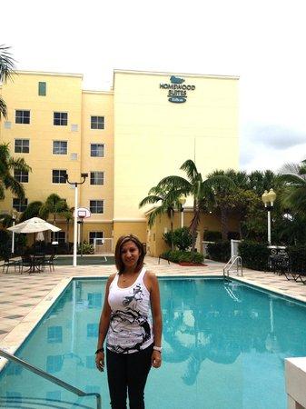 Homewood Suites Miami-Airport / Blue Lagoon: zona de la piscina