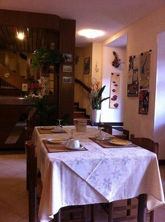 Albergo Aurora: hall e zona colazione