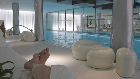 Le Royal Monceau-Raffles Paris : La piscine