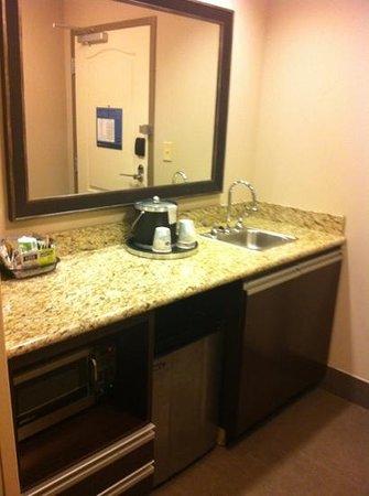 Hampton Inn & Suites Shreveport-South: kitchenette