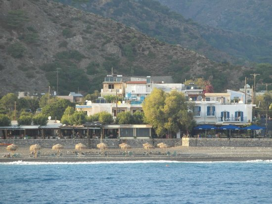Erontas - Diktamo Rooms: View of the seafront at Sougia from the coastal ferry