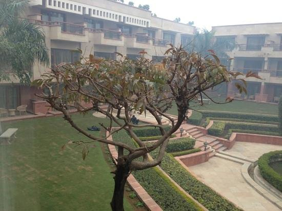 Jaypee Palace Hotel & Convention Centre Agra: courtyard