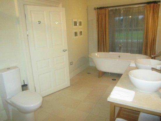 Carton House Hotel & Golf Club: bathroom