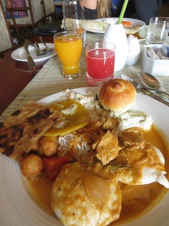 Holiday Inn Cochin: Breakfast
