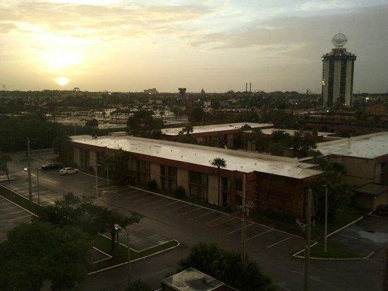 Hampton Inn Orlando Near Universal Blv / International Dr: Vista da ID de um dos quartos 