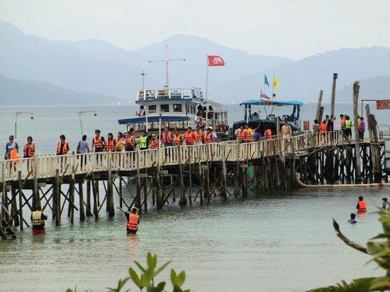 Koh Wai Pakarang Resort: Massen an Schnorchlern