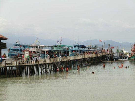Koh Wai Pakarang Resort: Massen an Menschen