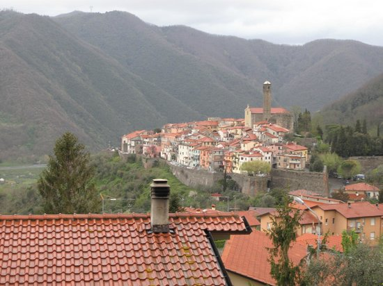 La Casa di Teresa: Caprigliola (nearby village, as seen from the balcony)