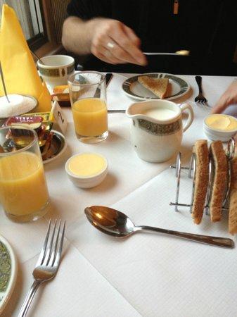 Halcyon Hotel: Breakfast