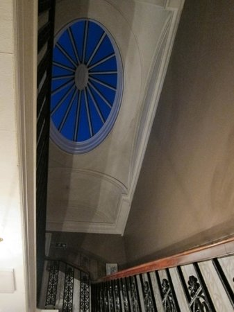 Halcyon Hotel: Glass ceiling in main staircase