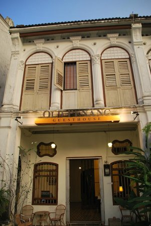 Old Penang Guesthouse: The front entrance.