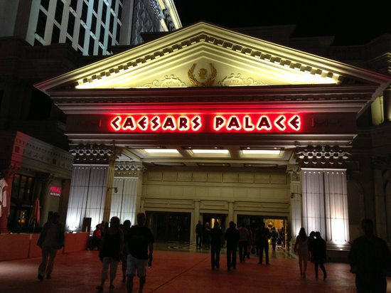 Caesars Palace: Entrance
