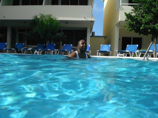 New Garden Hotel: Pool Area Great Ideas