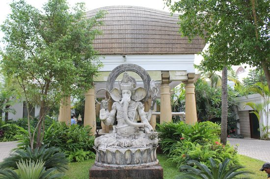 Taj Bekal Resort and Spa, Kerala: Front of the resort