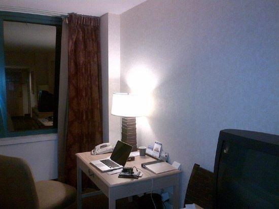 حياة ريجنسي جاكسونفيل: Work desk in room