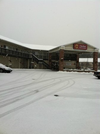Clarion Inn & Suites: The Clarion in December!