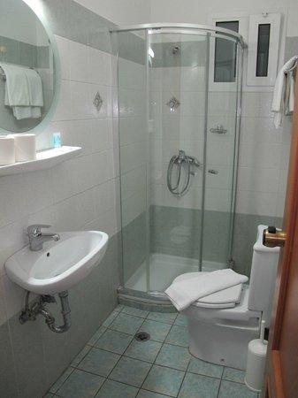 ستاليز هوتل: Baño