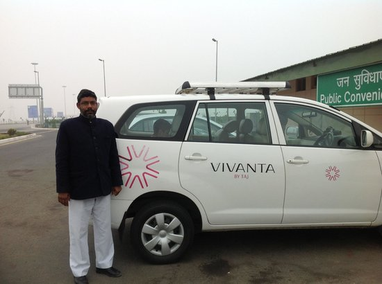Vivanta by Taj - Ambassador, New Delhi: Our Ride to Agra with driver Sher Singh provided by Taj