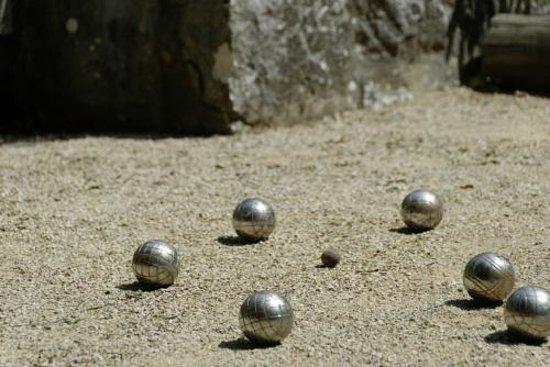 La Bastide De L'Empereur : terrain de boules
