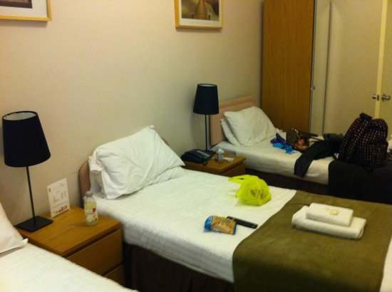1 Lexham Gardens: Uncomfortable beds