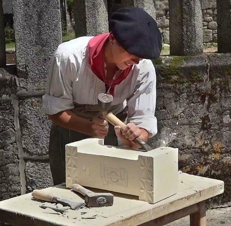 Les Amis de la Pierre de Masgot: Tailleur de pierre