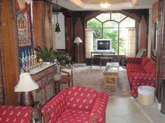 Nirvana Garden Hotel: Hotel lobby
