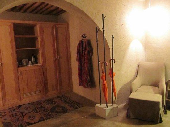 Argos In Cappadocia: Closet