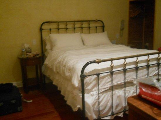 Herald Square Hotel: letto altissimo
