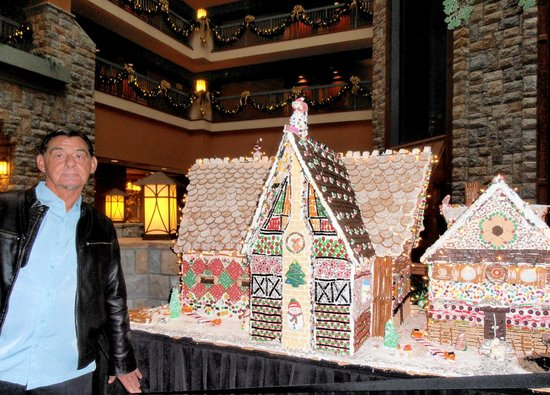 Chateau on the Lake Resort & Spa: One of the many beautiful candy houses(by the chef) on display.