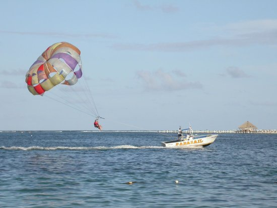 Dreams Palm Beach Punta Cana: Parasailing