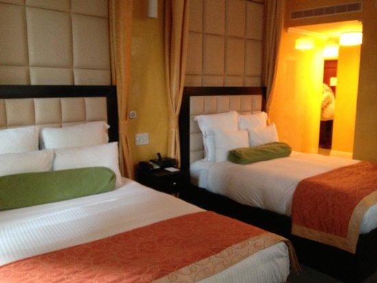 Flatiron Hotel: Toshi Twin Room