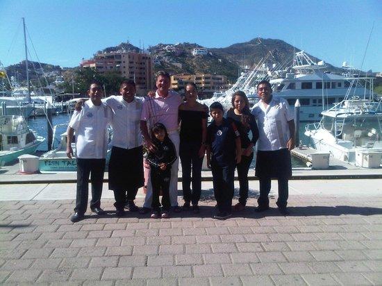 La Chatita Restaurant & Bar: My MIS SUENOS FAMILY !!!!!!