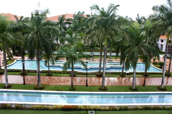 Hotel Riu Palace Riviera Maya: View from the room (third floor).