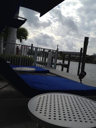 Residence Inn Fort Lauderdale Intracoastal / Il Lugano: Pool area cabanas